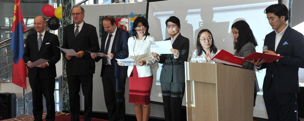 Монгол-Германы хамтарсан ашигт малтмал, технологийн их сургуулийн 75 оюутан тэтгэлгээ гардан авлаа
